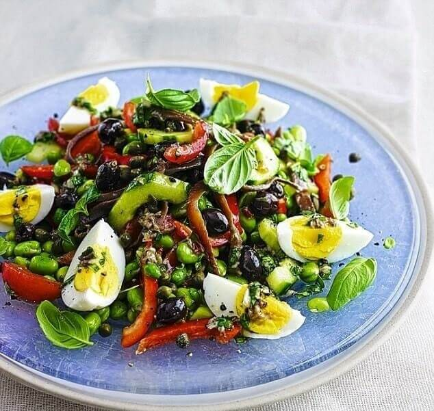 Salade niçoise, the queen of salads